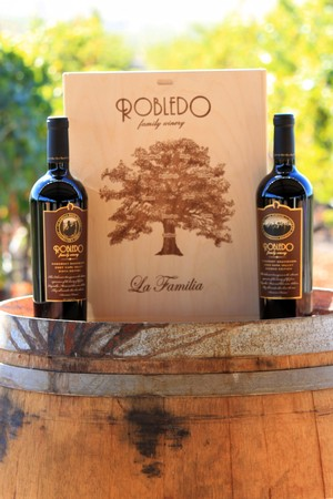 Robledo Family 3 Bottle Collectors Wooden Box